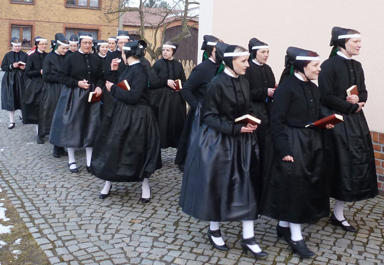 Hoyerswerda-Schwarzkollm-Krabat-Brauchtumsgruppe-Ostersingen-Kantorka